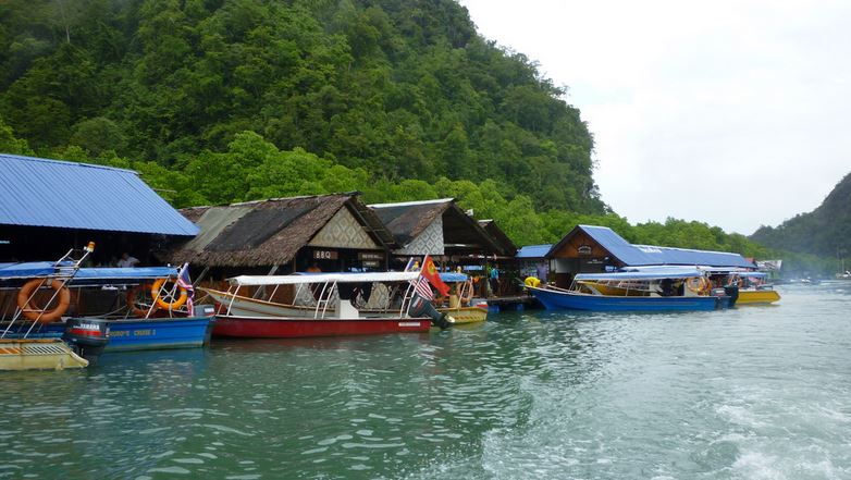 langkawi-tarikan-floating-fish-farm-01