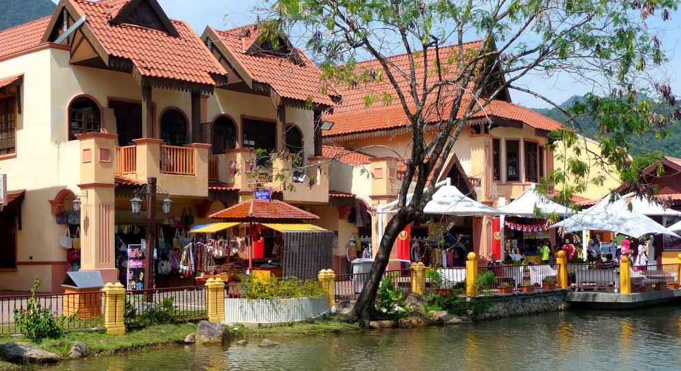 langkawi-attraction-oriental-village-02